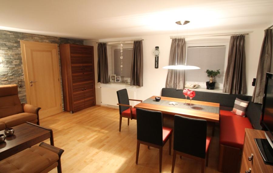 couchtisch afrikanischer stil raum und m beldesign inspiration. Black Bedroom Furniture Sets. Home Design Ideas